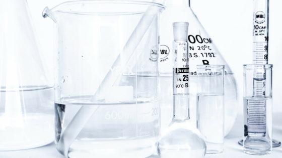 les bons et mauvais alcool dans les cosmétiques comment savoir si la compo est bonne présence d'alcool
