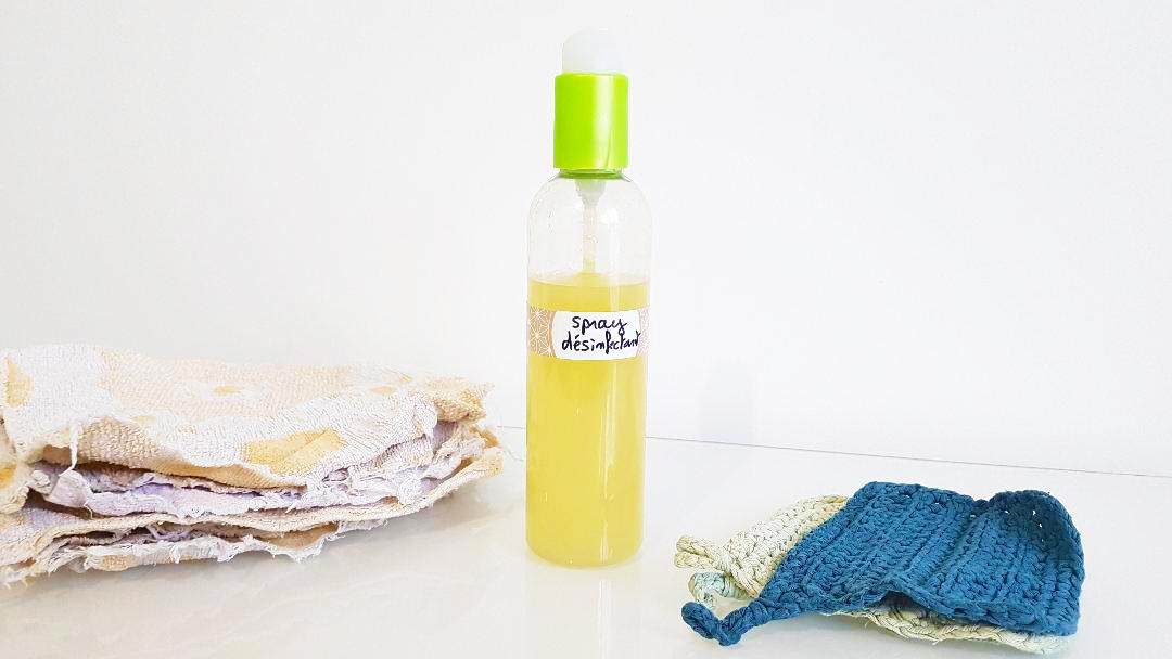 spray désinfectant fini les lingettes diy fait maison recette nettoyant multi fonction lalo cosmeto
